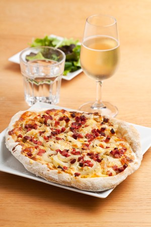 federweisser and tarte flambee