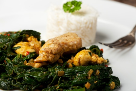 indian murgh palak spinach chicken dish