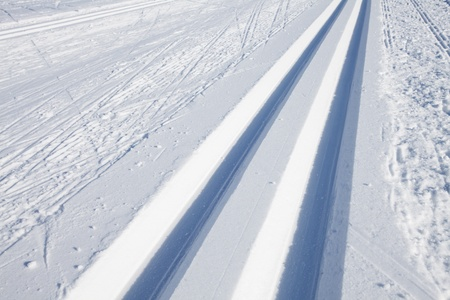 cross country skiing tracks in the winter Stock Photo - 12615621