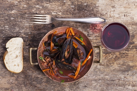closeup of blue mussels Stock Photo - 17019108