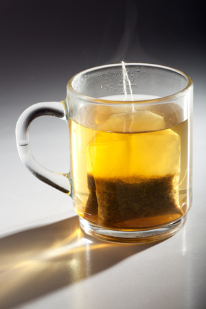 tea bag in a glass cup Imagens