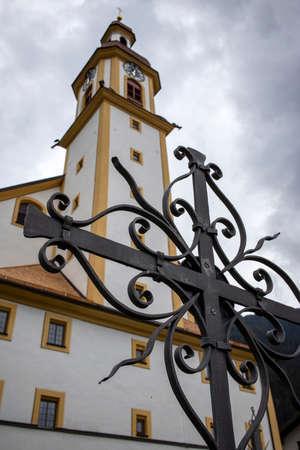 cross and a church 免版税图像
