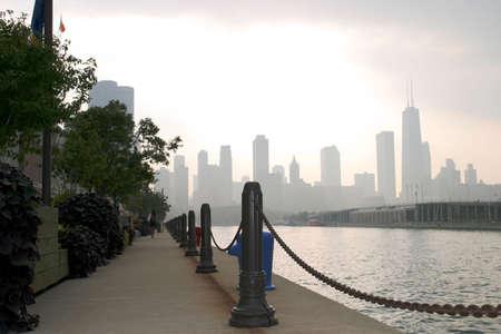 嵐の日にダウンタウン シカゴ - 海軍桟橋ビュー-