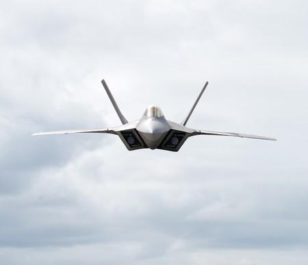 avion de chasse: Avion de chasse en direction de la cam�ra