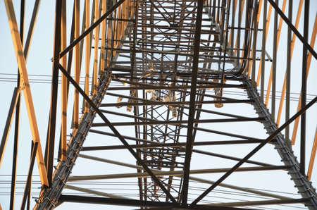 torres el�ctricas: Detalle de las torres de electricidad