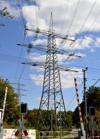 torres el�ctricas: Torres de electricidad Foto de archivo
