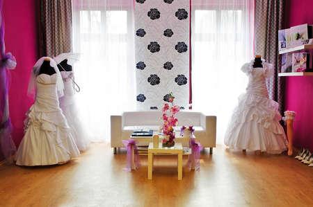 bridal gown: La secci�n de la tienda de la boda