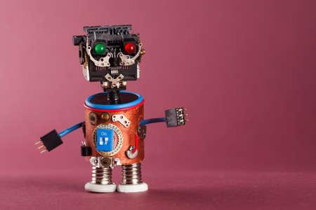 Retro-Stil Roboter. Spielzeug-Figur Mit Schwarzem Kunststoff Kopf ...