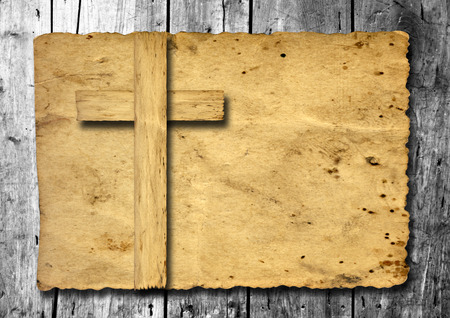Old vintage Christian paper cross over wood wall background Banco de Imagens - 45152840