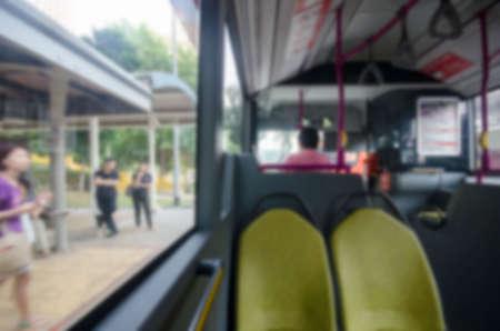 バス背景をぼかし 写真素材