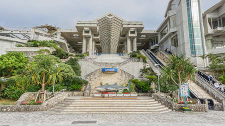 2017 年 4 月 20 日 - 沖縄県: 沖縄美ら海水、沖縄県。世界最大級の水族館は、2005 年にジョージア水族館で上回っていたまでそれだった。