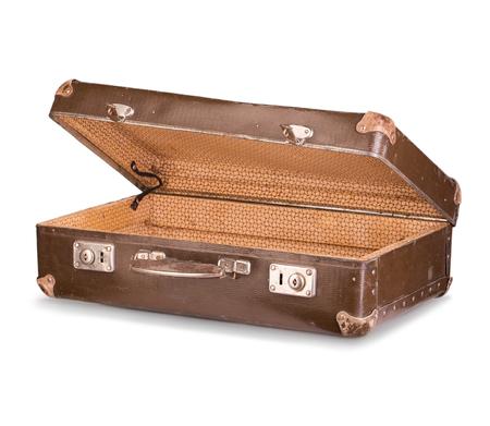 maleta: vieja maleta de cerca aislado en un fondo blanco