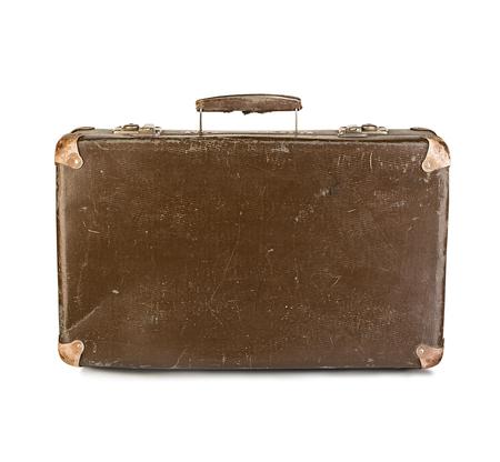 maletas de viaje: vieja maleta de cerca aislado en un fondo blanco