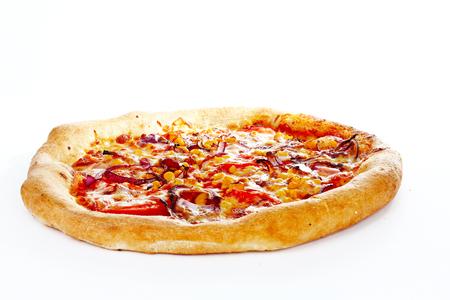 토마토와 모 짜 렐 라 치즈 - 배경 이탈리아 피자 마르게리타 마가리타. 피자 벽지. Margharita 피자 근접 촬영 배경입니다. 채식 피자 매크로 질감 치즈와