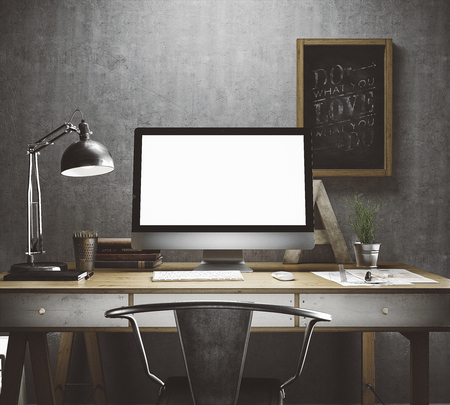 trabajando en computadora: Espacio de trabajo con estilo con la computadora y carteles en el hogar o estudio