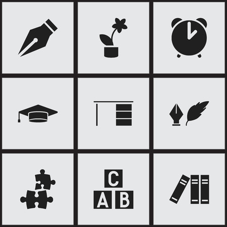 Ensemble de 9 icônes universitaires modifiables. Inclut des symboles tels que la littérature, l'alarme, la bibliothèque et plus encore. Peut être utilisé pour Web, Mobile, UI et conception infographique. Vecteurs