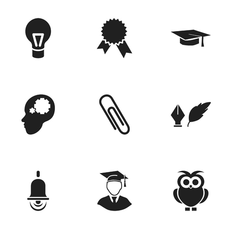 Ensemble de 9 icônes de remise des diplômes modifiables. Comprend des symboles tels que la littérature, des agrafes, des hommes diplômés, etc. Peut être utilisé pour la conception Web, mobile, UI et infographique.