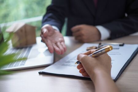 The salesperson explained the landlord's legal documents and signed the acknowledgment.