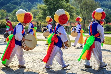 tradition: Korean folk dance