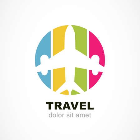 Vuelo silueta del avión y colorido fondo de la raya. Viaje alrededor del concepto del mundo. Plantilla de diseño de logotipo abstracto del vector. Logos