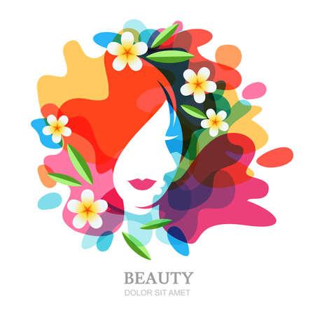 la cara y el plumeria de flores femeninas en el fondo multicolor salpicaduras. Resumen de vectores de ilustración exposición múltiple, aislado. Concepto de diseño para el balneario, salón de belleza, cosméticos, cosmetología, corte de pelo. Ilustración de vector