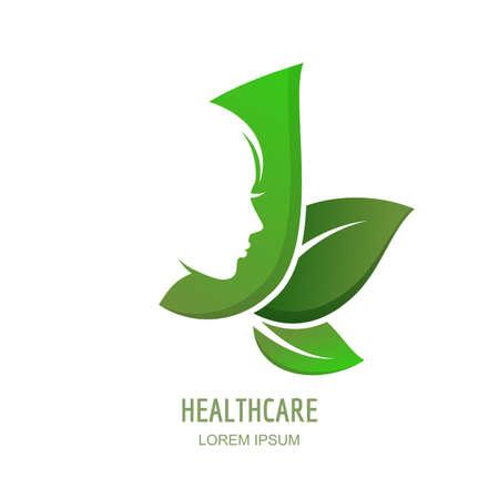 Weibliches Gesicht im Profil auf grünen Blättern Hintergrund. Vector Frau Logo, Etikett oder Emblem Design-Elemente. Abstraktes Konzept für Schönheitssalon, Massage, Kosmetik-Paket, Spa, natürliche Gesundheitsthemen.