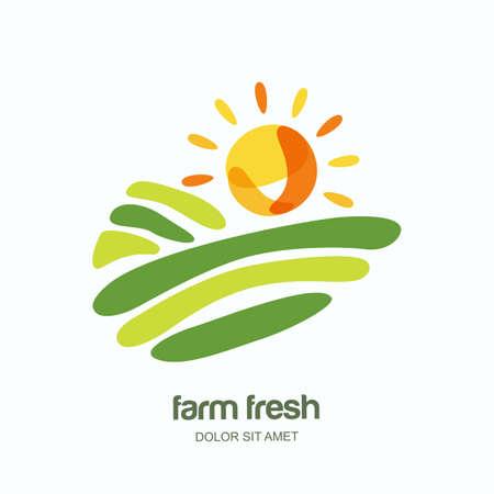 Boerderij en landbouw vector logo, label, embleem ontwerp. Geïsoleerde illustratie van velden, boerderij landschap en zon. Concept voor landbouw, oogsten, natuurlijke boerderij, biologische producten.