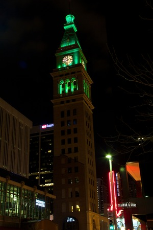 denver 16th street mall: Denver D&F Clocktower on the 16th Street Mall at night Editorial