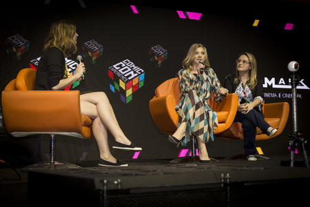 dormer: SAO PAULO - DECEMBER 1, 2016: Natalie Dormer in a  panel at Comic Con Experience.