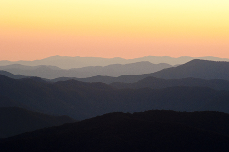 newfound gap: Sunrise layers over the Great Smoky Mountains valleys. Stock Photo