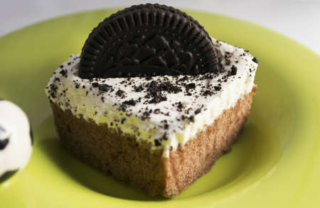 chocolaty: Chocolate Cake With Cookies And Cream Filling