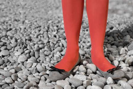 빨간 스타킹에 드레싱 두 여자 다리