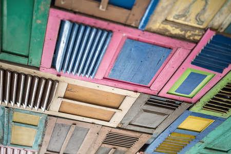 Pannelli multicolori in legno Archivio Fotografico - 72657683