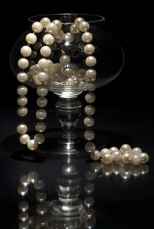 beaty: pearls in the glass
