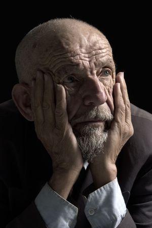 faccia disperata: Volto di vecchio uomo disperato