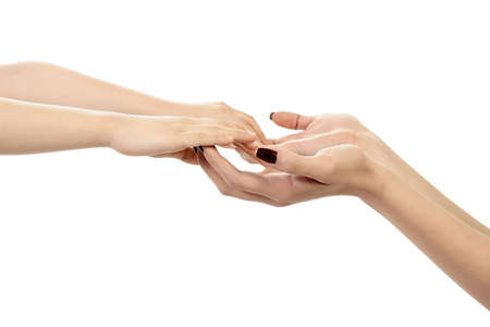 familiar: a child hand is holding female hand