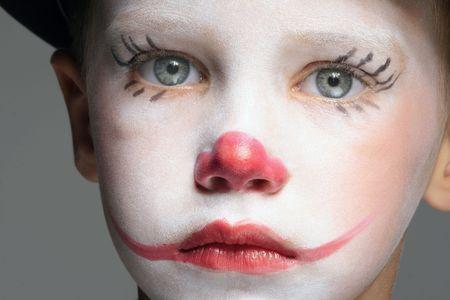 clown cirque: composent le portrait de clown avec nez rouge gar�on Banque d'images