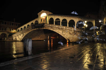 rialto bridge: Rialto Bridge Editorial