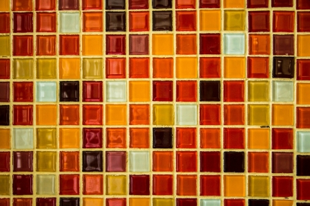 Crytal ist vielen Farben an der Wand Standard-Bild - 18341374