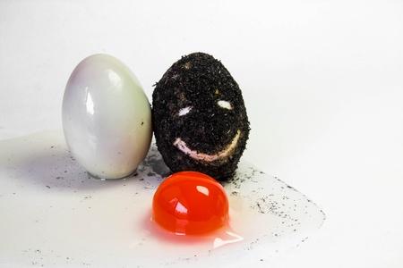 conservacion alimentos: Huevo sal es cruda para cocinar, los m�todos de conservaci�n de alimentos Foto de archivo