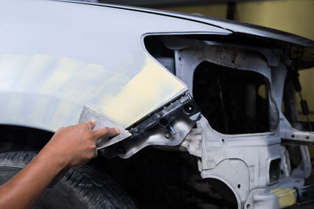 putty: Auto body repair series : Working on putty