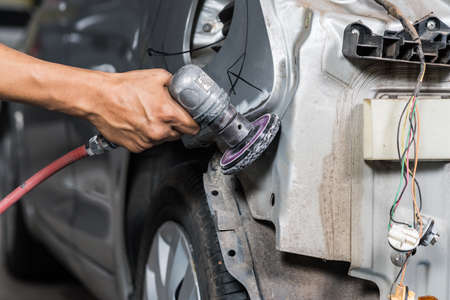 hand rubbing: Auto body repair series : Grinding auto body