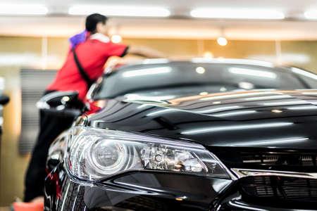 Auto Detaillierung Serie: Reinigungs schwarzes Auto