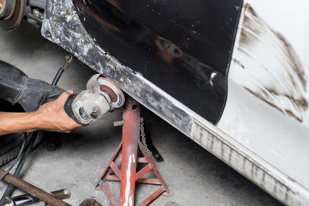 auto repair: Auto body repair series : Grinding