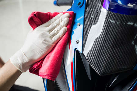 Motorcycles detailing series : Cleaning motorcycle paint