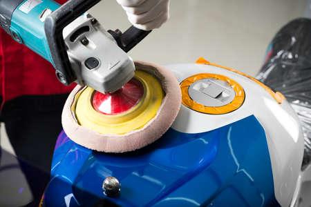 detailing: Motorcycles detailing series : Polishing gas tank