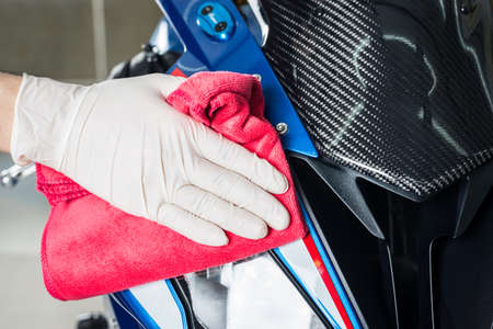 headlight: Motorcycles detailing series : Cleaning motorcycle paint