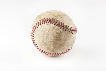 야구: An old worn baseball