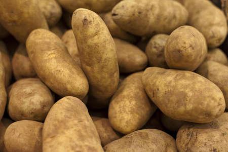 Multiple Brown Potatoes Banque d'images - 9736103