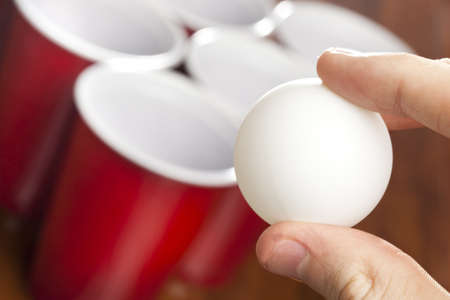 pingpong: Red Pong de la cerveza en recipientes preparados para jugar un juego